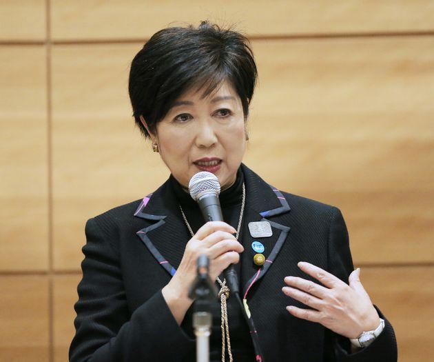 希望の党の代表辞任を表明した小池百合子氏=2017年11月14日