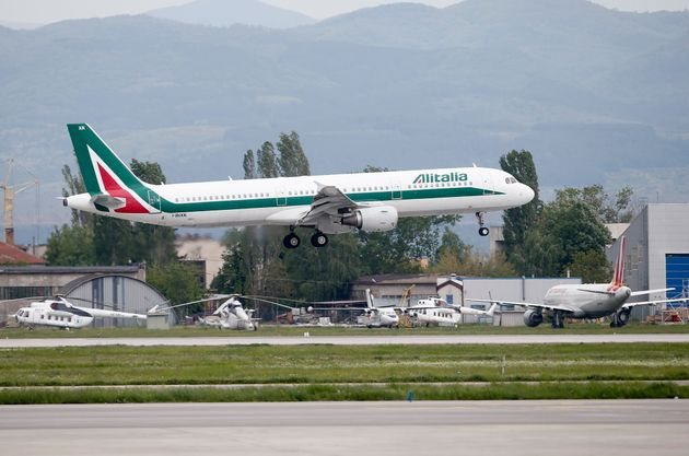 Alitalia: δύο πτήσεις καθημερινά προς Αθήνα και 6 σε ελληνικά
