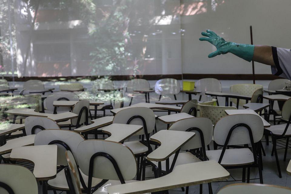 Com a pandemia, aulas presenciais do Ensino Básico na rede pública foram suspensas em todo