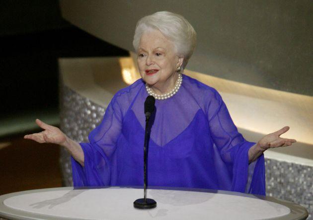 Olivia de Havilland fez poucas aparições públicas depois de se aposentar, mas retornou...
