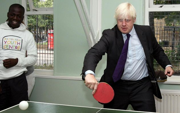 Le Premier ministre britannique Boris Johnson veut lutter contre l'obésité, facteur aggravant...
