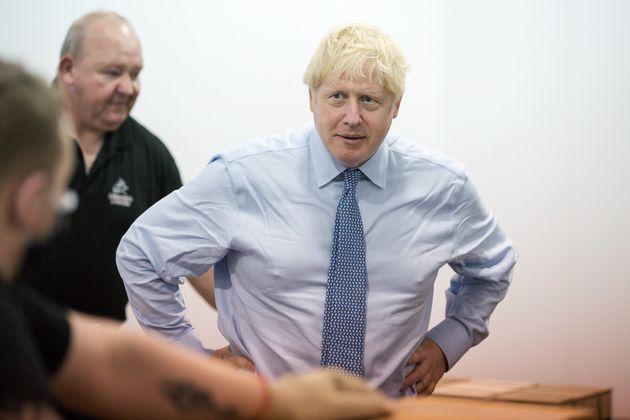 Boris Johnson ci mette il girovita: