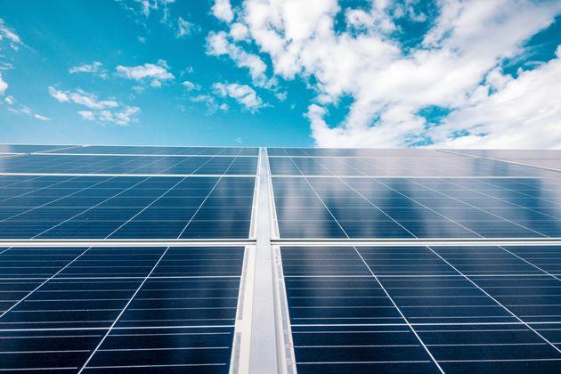 Πώς η ηλιακή ενέργεια οδήγησε στην αύξηση της παγκόσμιας παραγωγής