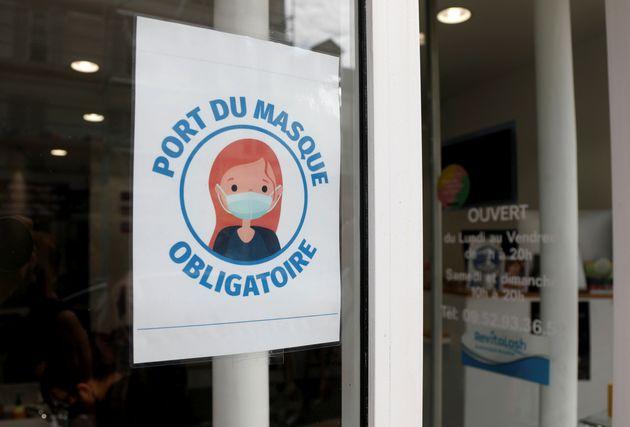 Face au coronavirus, le masque est obligatoire dans les lieux clos en France,