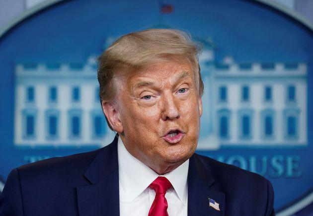 도널드 트럼프 대통령이 백악관 코로나19 브리핑에서 발언하고 있다. 2020년