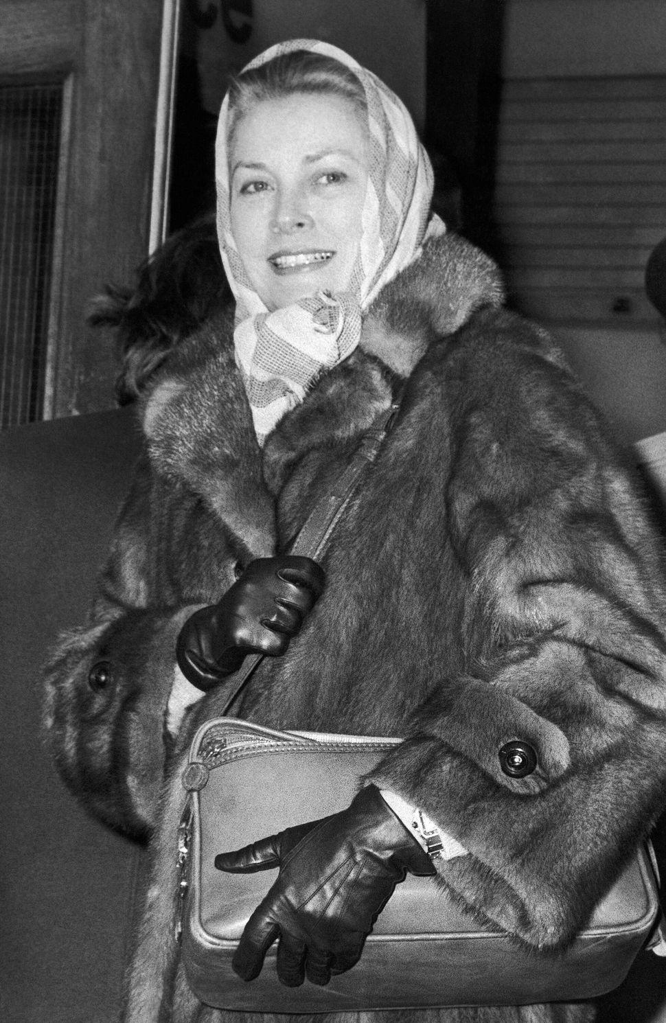Η πριγκίπισσα Γκρέις του Μονακό στο αεροδρόμιο Χίθροου στο Λονδίνο, στις 8 Μαρτίου του 1981, όταν έφτασε από την Νίκαια για φιλανθρωπική συναυλία