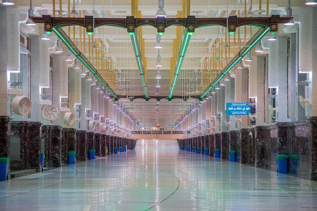 Un couloir de la grande mosquée de La Mecque, le 26 juillet
