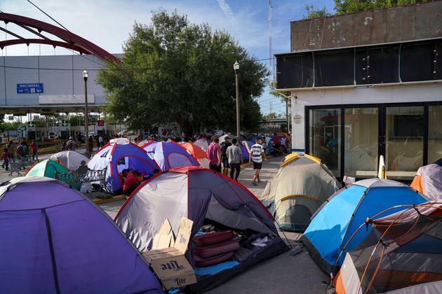 Οι αιτούντες άσυλο στη δίνη κορονοϊού, καρτέλ και καταιγίδων - Αλλά οι ΗΠΑ είναι