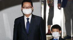 이면합의 논란에도 국정원장 된 박지원이 손자와 함께 첫