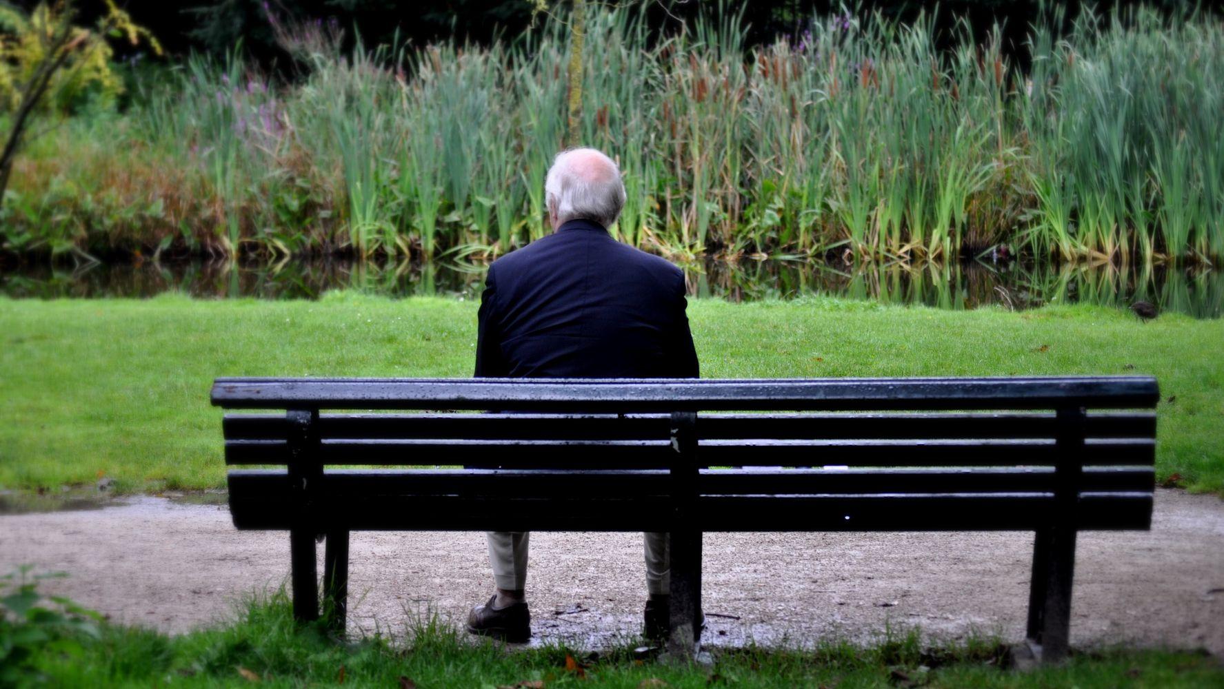 """A 96 anni Giuseppe è il laureato più anziano di Italia. """"Ragazzi ..."""