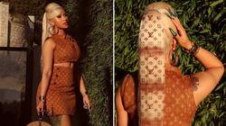 Cardi B a accordé sa coiffure à sa tenue Louis Vuitton d'une façon bien à