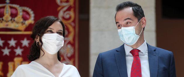 La presidenta de la Comunidad de Madrid, Isabel Díaz Ayuso (PP) y el vicepresidente, Ignacio Aguado