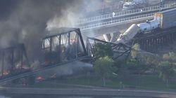 ΗΠΑ: Φωτιά και κατάρρευση γέφυρας μετά από εκτροχιασμό τρένου στην