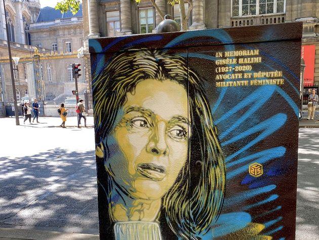 L'artiste C215 a offert une œuvre hommage à l'avocate Gisèle Halimi, décédée le 28 juillet, en face du...