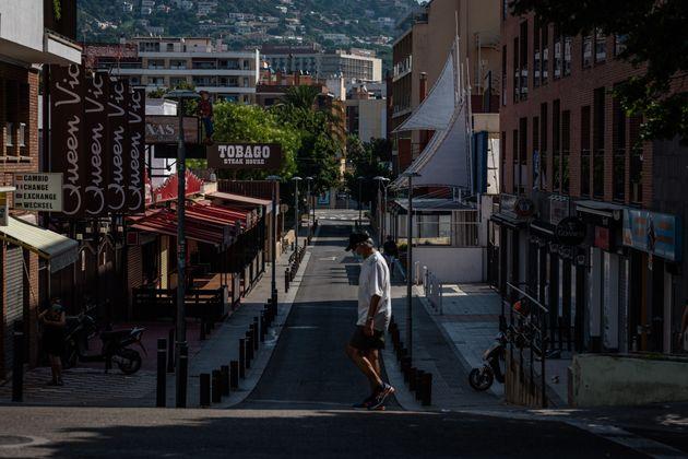 Calles vacías de turistas en Lloret de