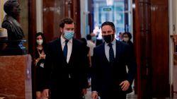 La mascarilla que llevó Abascal al Congreso da mucho juego en