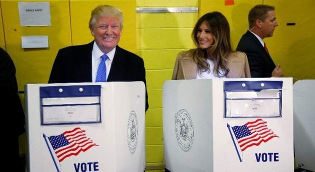 Donald y Melania Trump votan en las presidenciales de