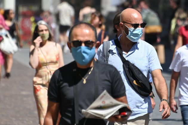 La Direction générale de la Santé prévient qu'un masque humide n'est plus...