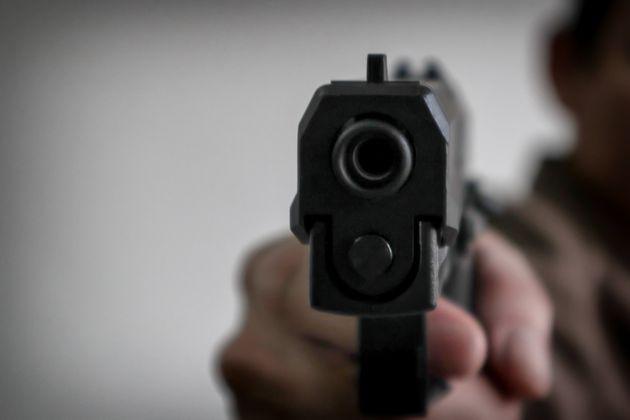 Guardia giurata uccide la compagna e si spara a Torino. Si erano lasciati da 20