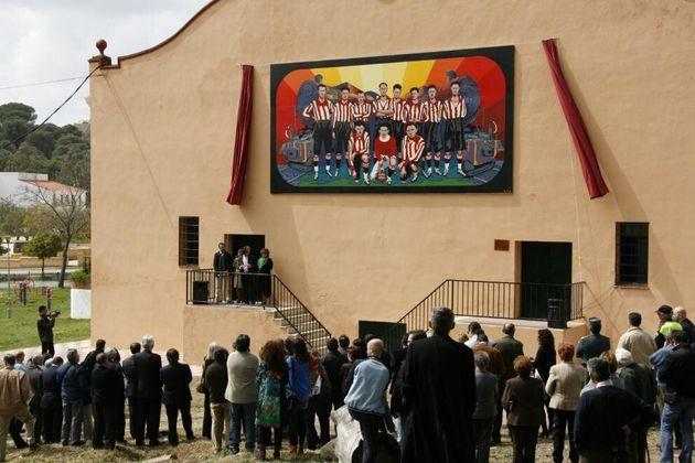 Σκηνή από τα αποκαλυπτήρια της ζωγραφιάς της πρώτης ομάδας ποδοσφαίρου στην Ισπανίας. Φωτ.: Jesús Caballos