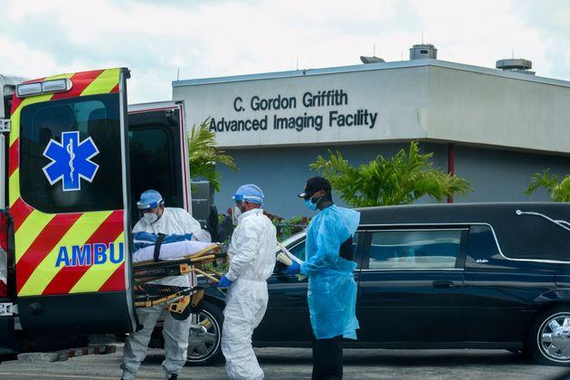 Νέο ρεκόρ θανάτων στη Φλόριντα - Πάνω από 470.000 τα