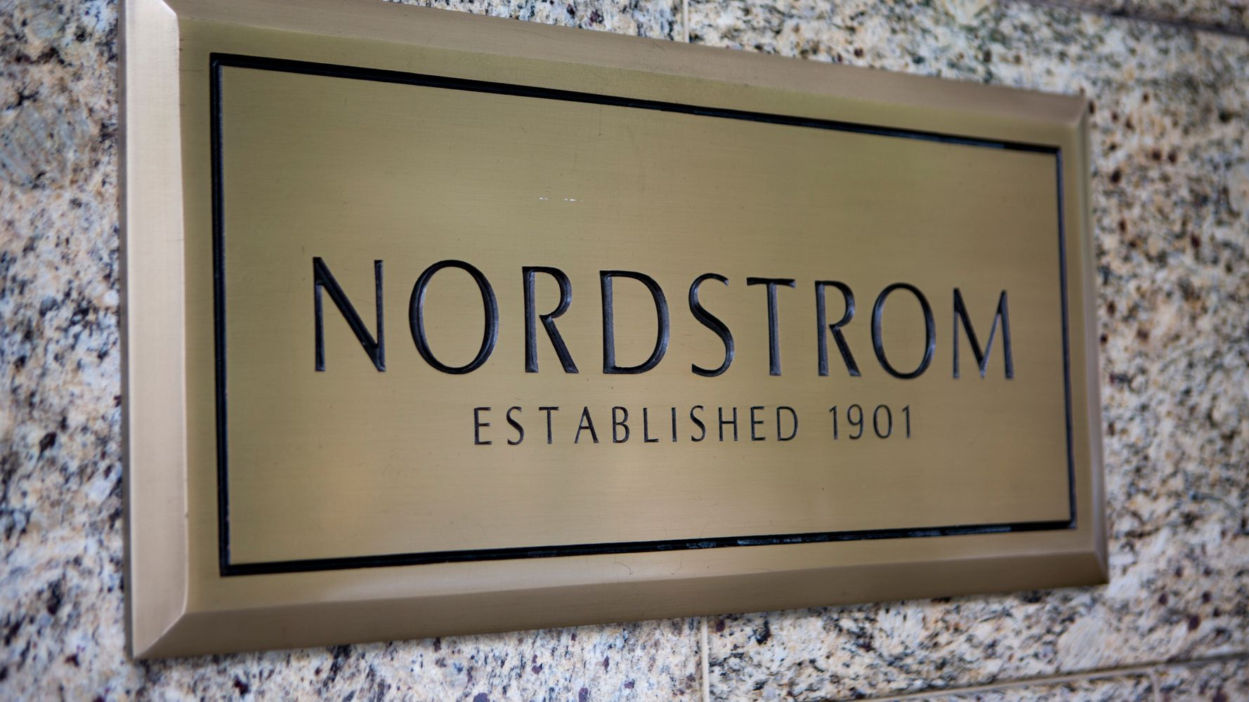 Nordstrom's Anniversary Sale 2020: Everything You Need To Know 1