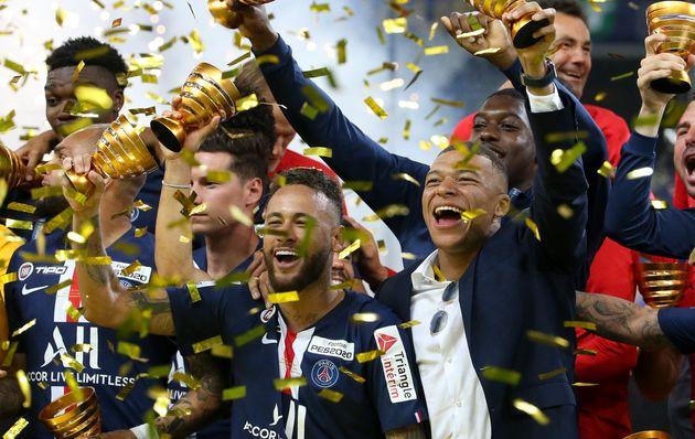 Le PSG (sans Kylian Mbappé) a remporté la Coupe de la Ligue contre l'OL ce 31 juillet au...