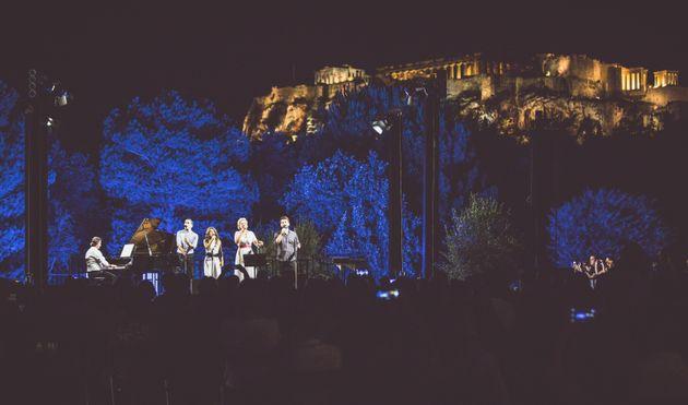 Η επετειακή συναυλία για τα 95 χρόνια του Μίκη Θεοδωράκη ταξιδεύει σε όλη την