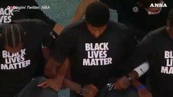 Riparte l'Nba: tutti in ginocchio durante l'inno per Black Lives Matter