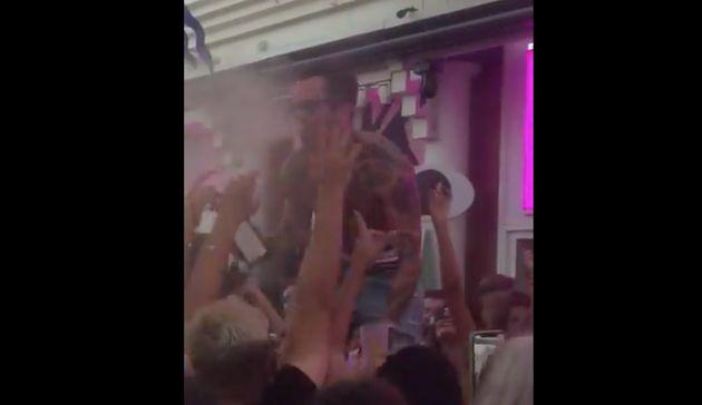 Vergonzosa fiesta en una discoteca de Málaga en plena