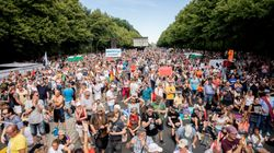 15.000 personas protestan en Alemania contra las restricciones en pleno repunte de