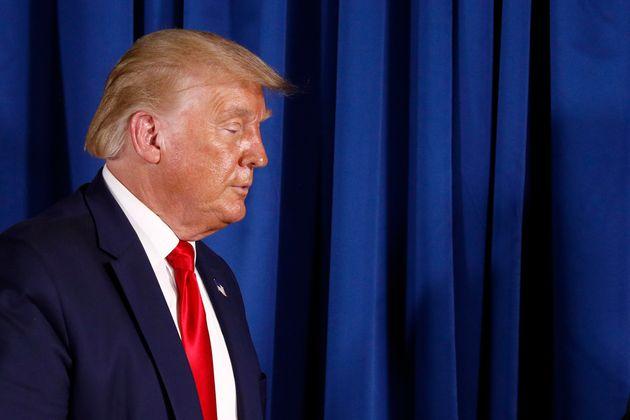 도널드 트럼프 미국 대통령은 코로나19 대응 실패로 비판을