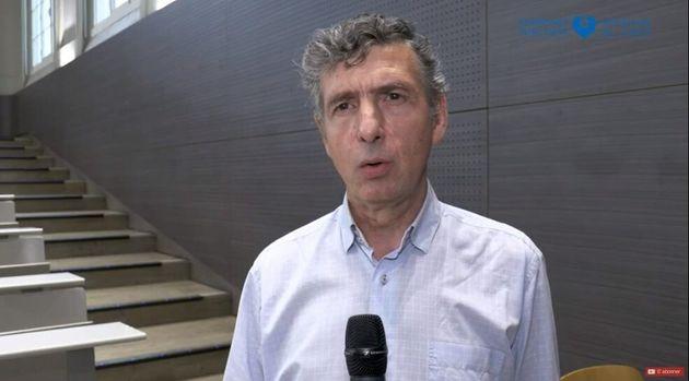 Le professeur Éric Caumes, chef du service des maladies infectieuses à l'hôpital de la Pitié Salpêtrière,...