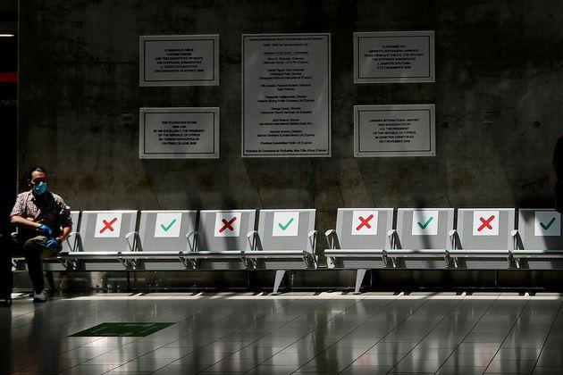 Στην ταξιδιωτική κατηγορία Β η Ελλάδα για την Κύπρο λόγω της αύξησης των κρουσμάτων