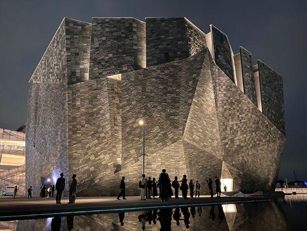 埼玉県所沢市に8月1日、プレオープンした「角川武蔵野ミュージアム」