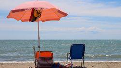 """Turista partorisce in spiaggia. Infermiera salva mamma e bimbo: """"Sembrava un"""