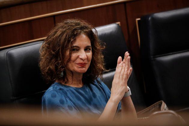 La ministra de Hacienda, María Jesús Montero, en la sesión del Congreso en la que...