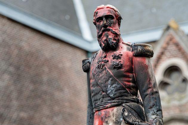 À Bruxelles, une statue du roi Leopold II à nouveau