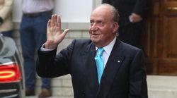 El rey Juan Carlos abandona