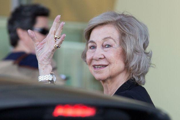 La reina Sofía visita al rey Juan Carlos en el hospital Quirón en Pozuelo en