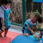 Η πανδημία κορονοϊού απειλεί να καταστρέψει μια γενιά, λέει ο ΟΗΕ - Πού έχουμε νέα μέτρα τύπου lock