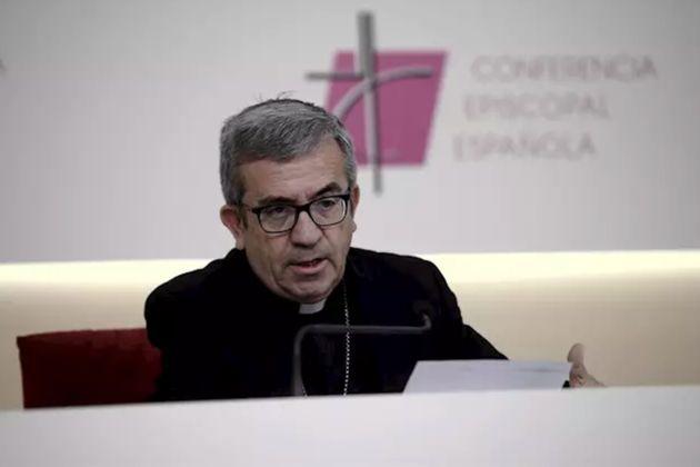 El secretario general de la Conferencia Episcopal Española (CEE) y obispo auxiliar de Valladolid, Luis...