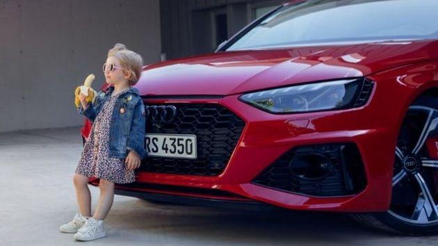 Polemiche per lo spot Audi con la bimba che mangia la banana: