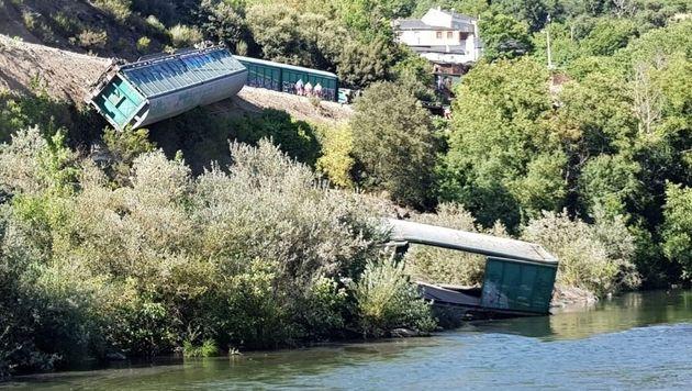 Fotos de los trenes descarilados en
