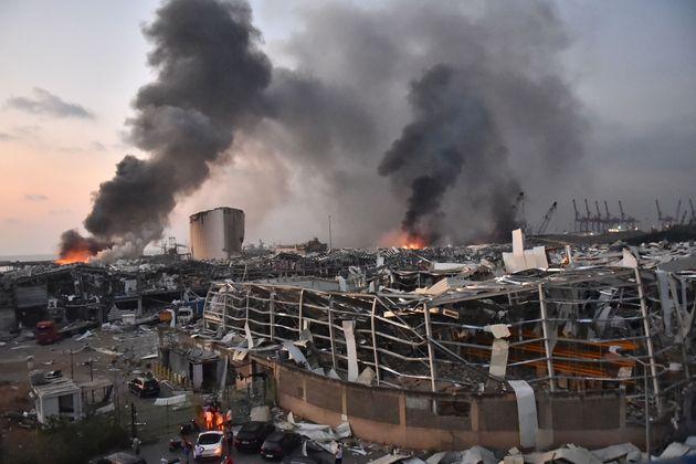 Beirut, esplode deposito di nitrato di ammonio. Devastata la zona del porto. Almeno 78 morti e 4mila feriti