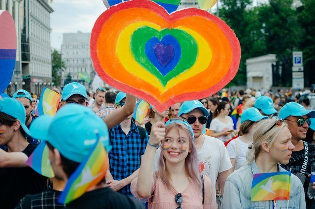 タイで同性間のパートナーシップ法が実現へ。日本の現状は?