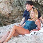 Conte si rilassa al mare con la compagna Olivia Paladino. Gli scatti della pausa al