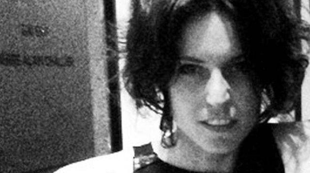 Si riapre il caso della stilista morta a Milano. Due lesioni al collo precedenti all