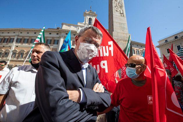 Sindacati pronti allo sciopero generale senza blocco dei licenziamenti fino a dicembre