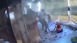 La bimba è sul balcone, donna la mette in salvo prima della seconda esplosione a Beirut